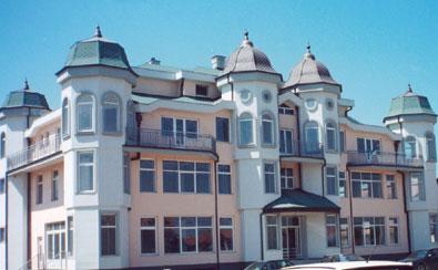 """Wohn- und Geschäftsgebäude """"Villa Mandic"""" in Novi Sad"""