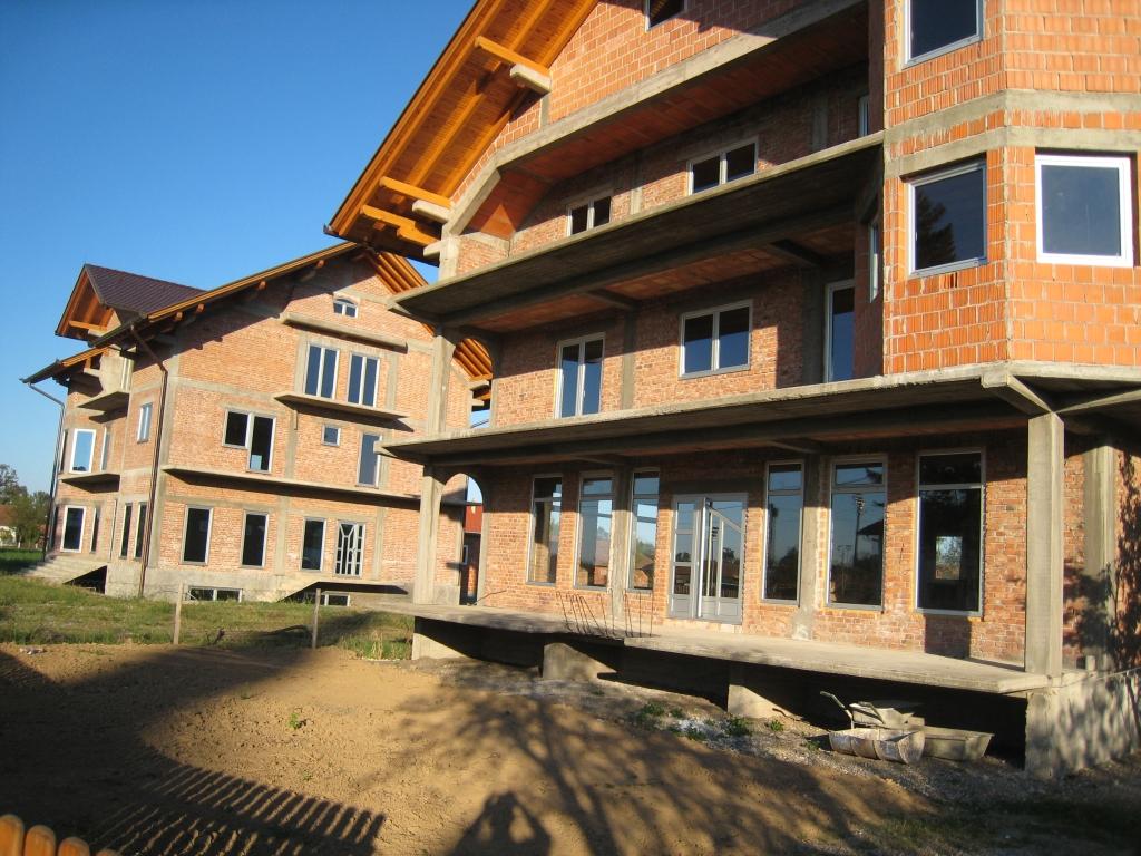 Condominium buildings in Milosevac