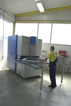 CNC Machine à commande numérique pour le nettoyage des coins de profilés en PVC
