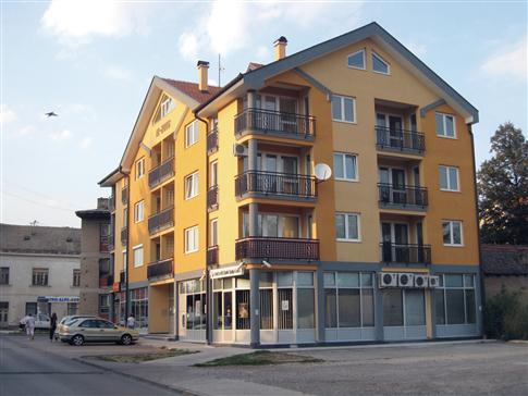 Стамбена зграда у Босанском Броду