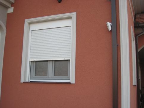 Objekat sa ALU lamelicama i PVC kutijom za roletnu sa termo izolacijom