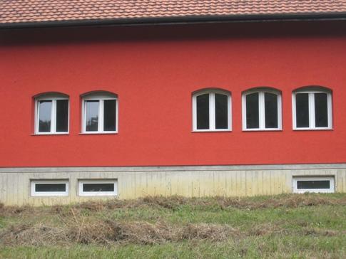 Roletne na zalučenim prozorima