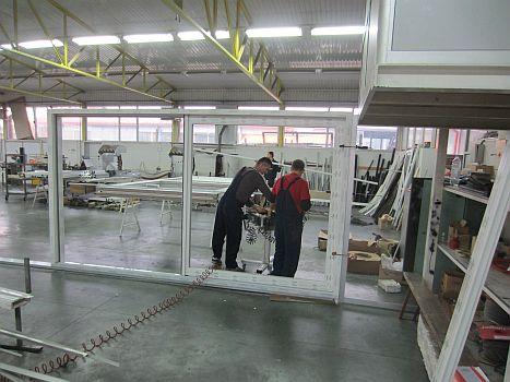 Production des fenêtres  coulissantes et  avec levage